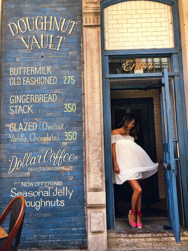 Best instagram worthy coffee shops, Jennifer Worman, Best places to take photos Chicago, Doughnut Vault