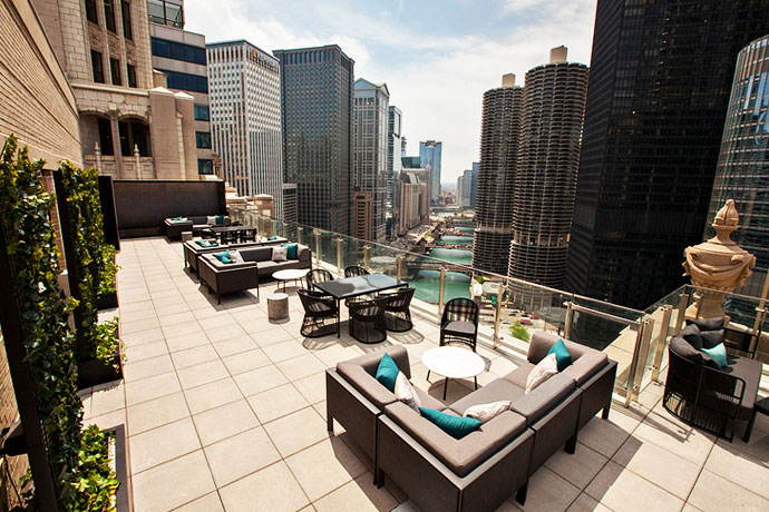 best rooftop bars in chicago, best bars in Chicago, chicago guide, what to do in Chicago, travel guide, Jennifer Worman, Red Soles and Red Wine, Urbanhouse
