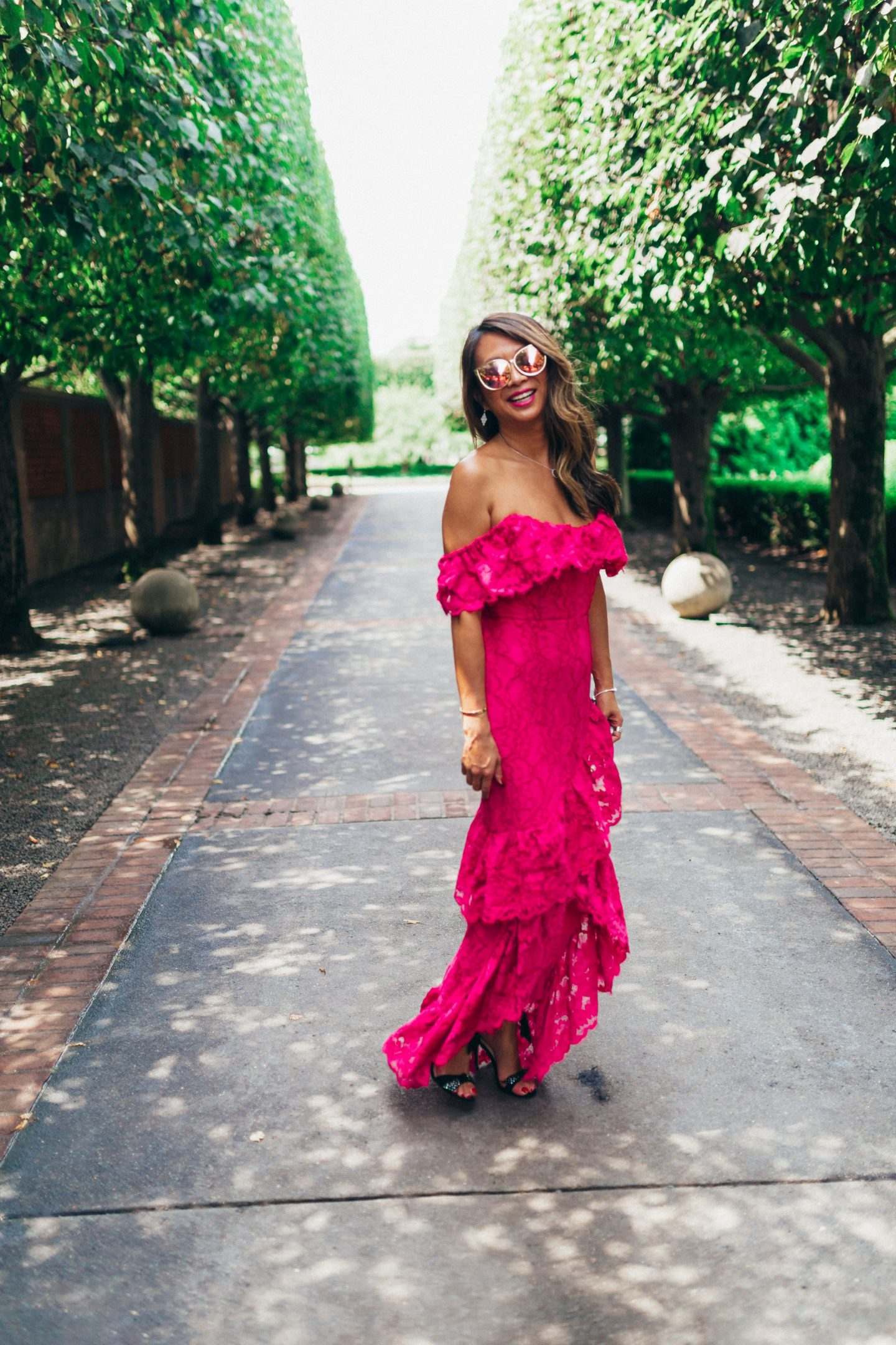 Lovers and Friends Lace Gown, Jennifer Worman, Chicago Botanic Garden, Revolve Dress, What to wear to a Wedding, Wedding Guest Style, Pink Lace Dress, Best Chicago Style Blogger