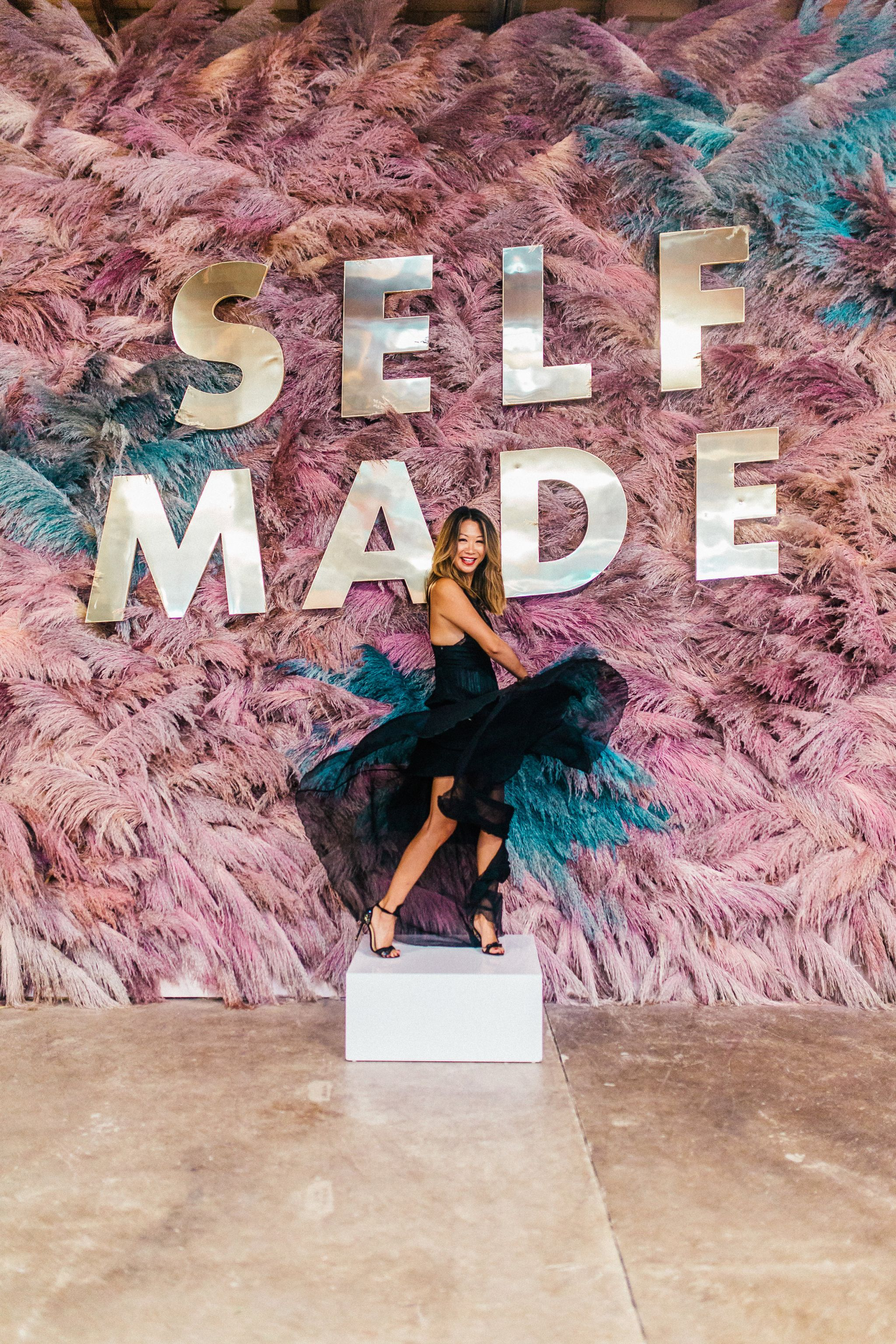 5 quotes that inspire me, Create and Cultivate Chicago 2018, Feather Wall, Self Made wall, Jennifer Worman, Chicago Style Blogger, Chicago Fashion Blogger
