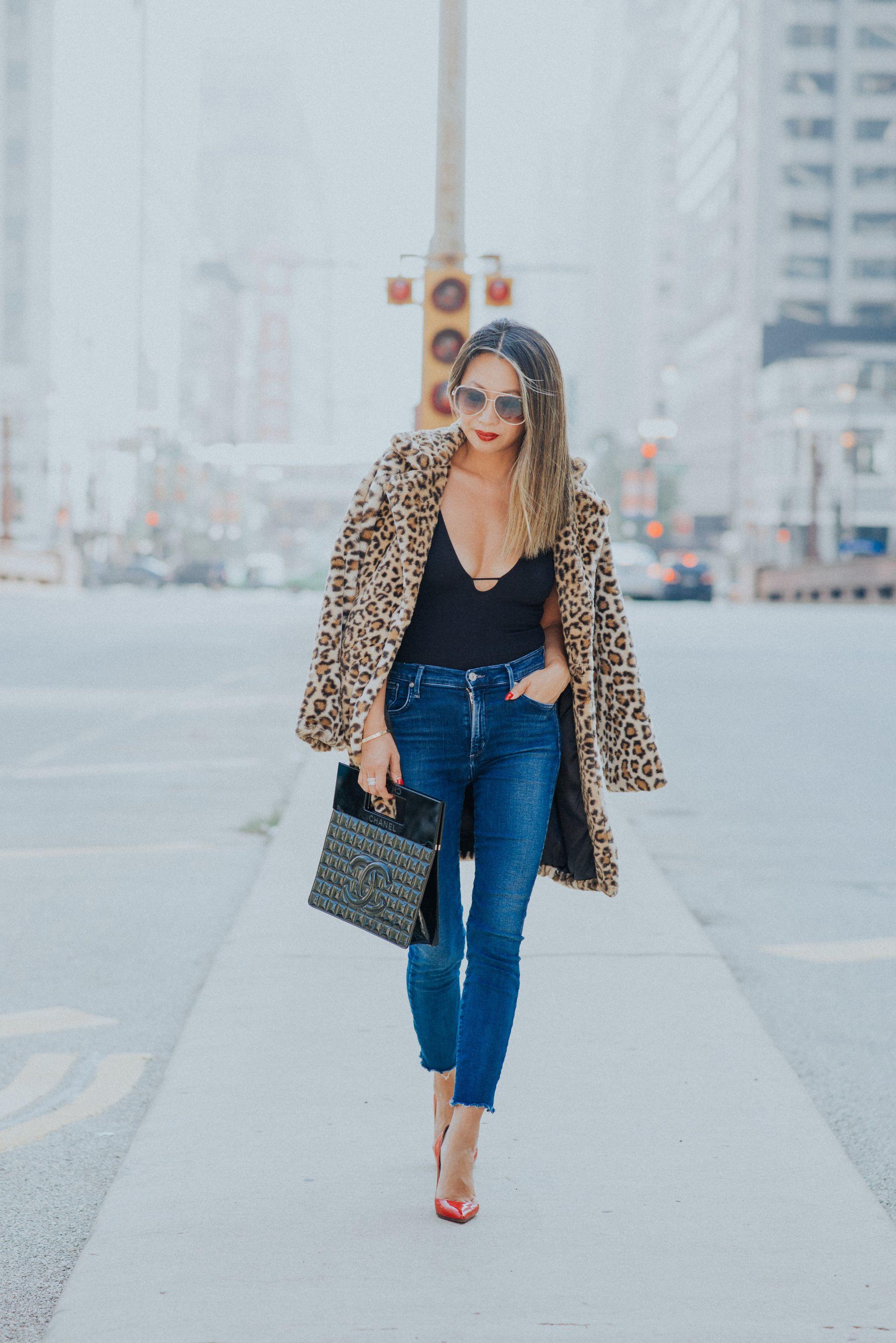 leopard faux fur jacket , leopard fur coat, leopard faux fur shopbop, how to style a faux fur jacket, chicago style blogger, leopard jacket, steal leopard coat, jennifer worman