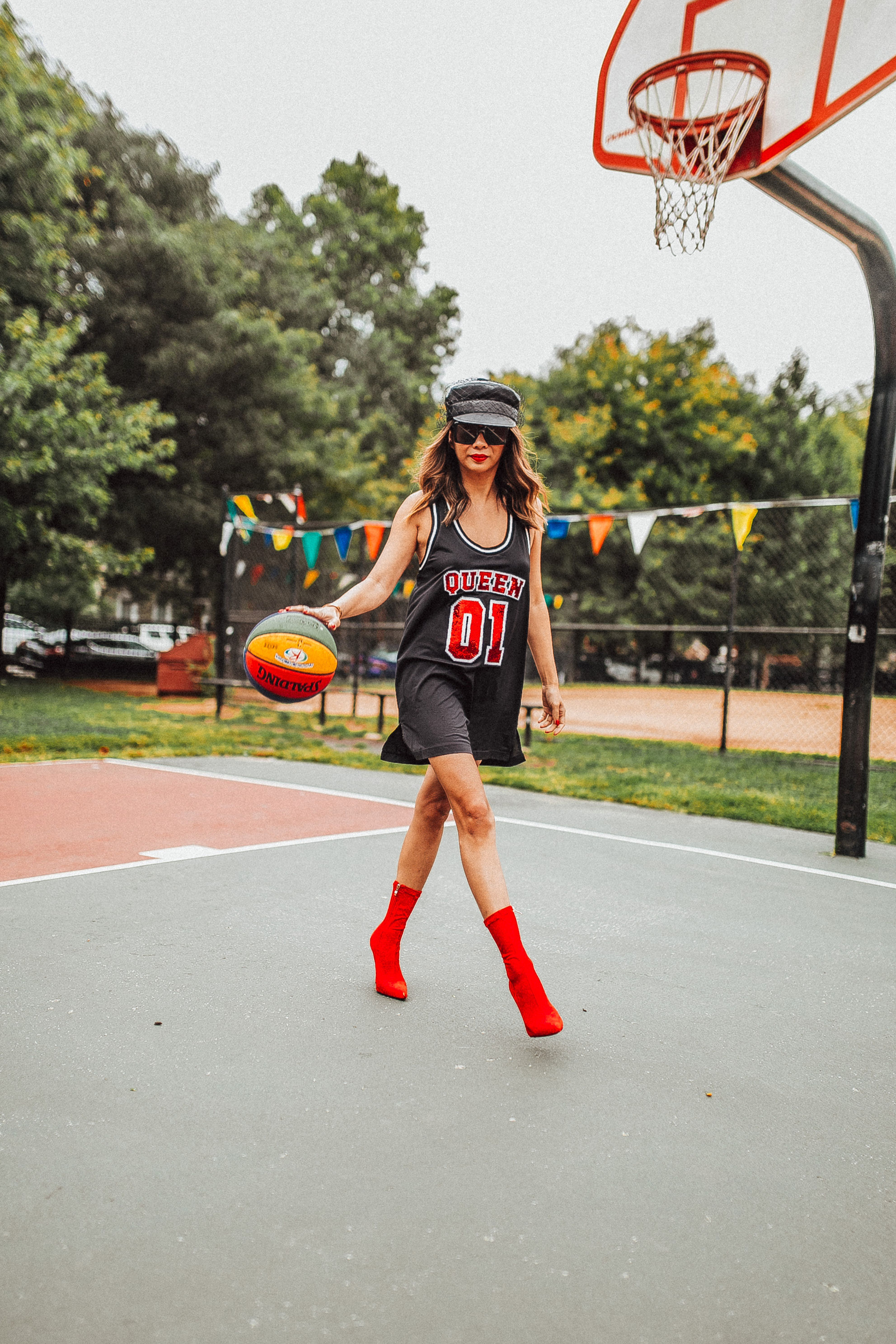 Juggling life, how to balance life, life quote, Alice and Olivia jersey dress, Sequin Queen Jersey Dress, Basketball instagram photo, Jennifer Worman, Sequin Basketball Jersey Dress, Chicago Lifestyle Blogger