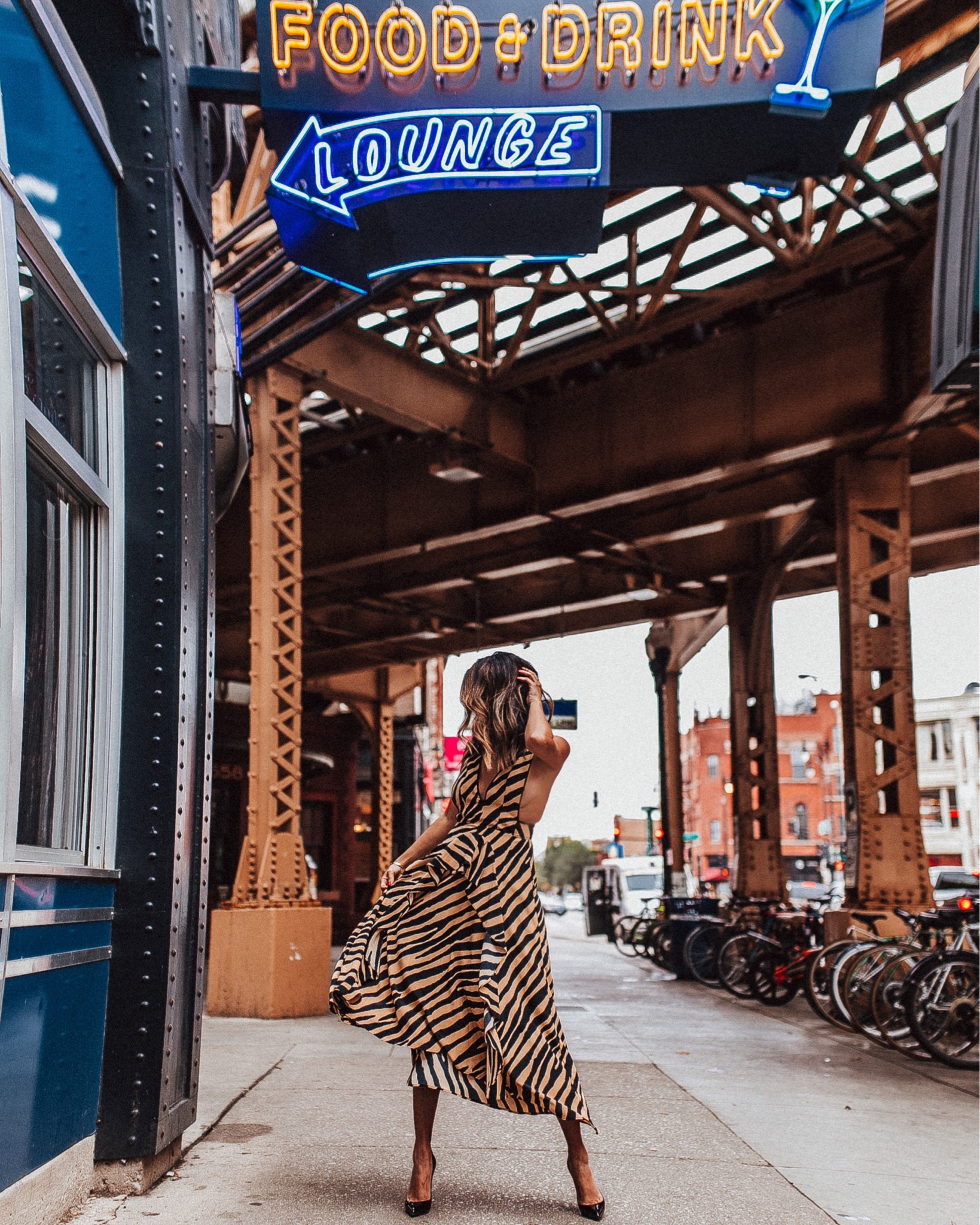 Topshop leopard dress, how to wear a leopard dress, leopard in chicago, chicago style blogger, jennifer worman, blue line bar wicker park, best style in chicago
