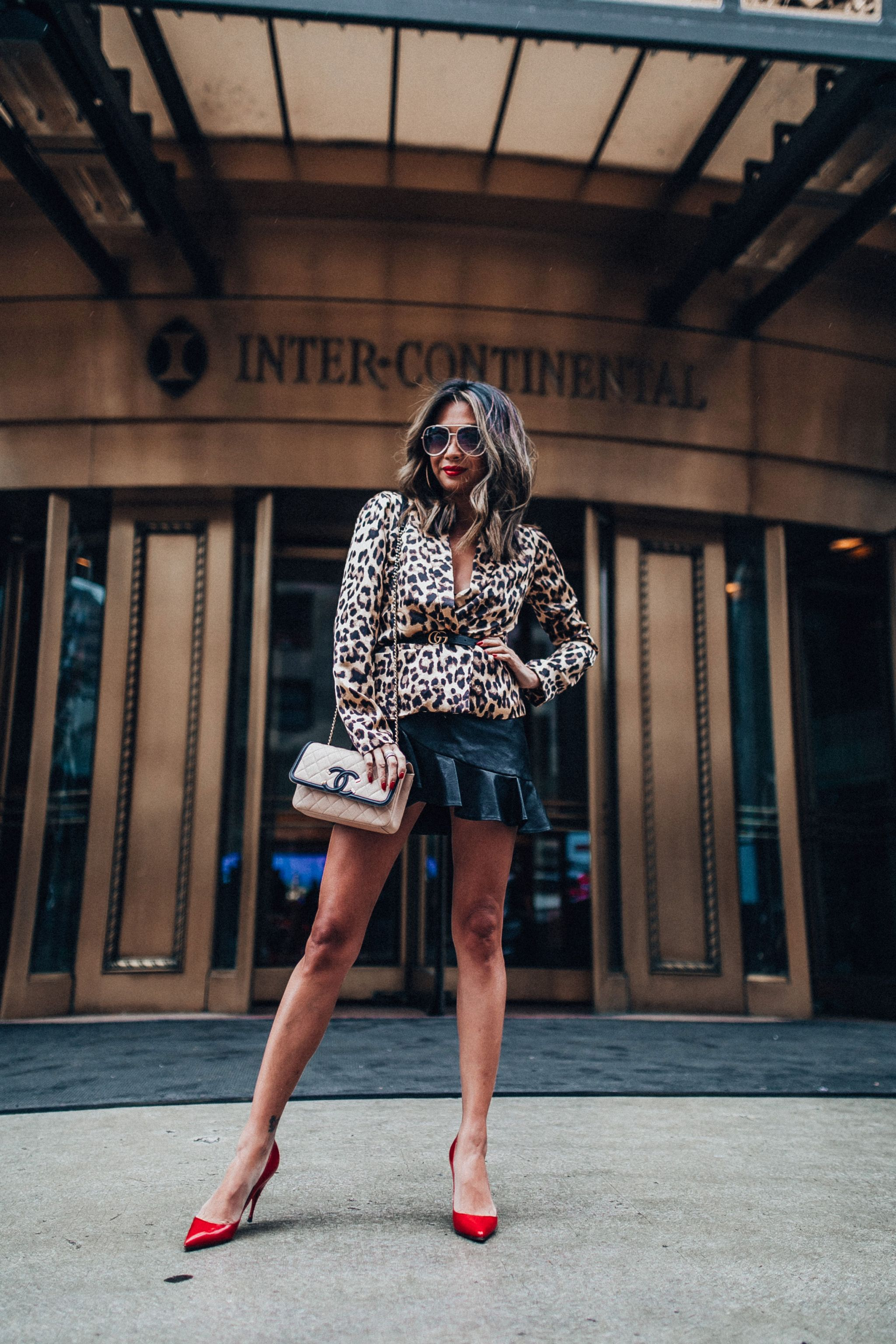 InterContinental michigan ave, best hotel chicago, chicago michigan avenue hotel, jennifer worman, travel blogger, chicago travel blogger, where to stay in chicago, leopard blazer, fall style in chicago