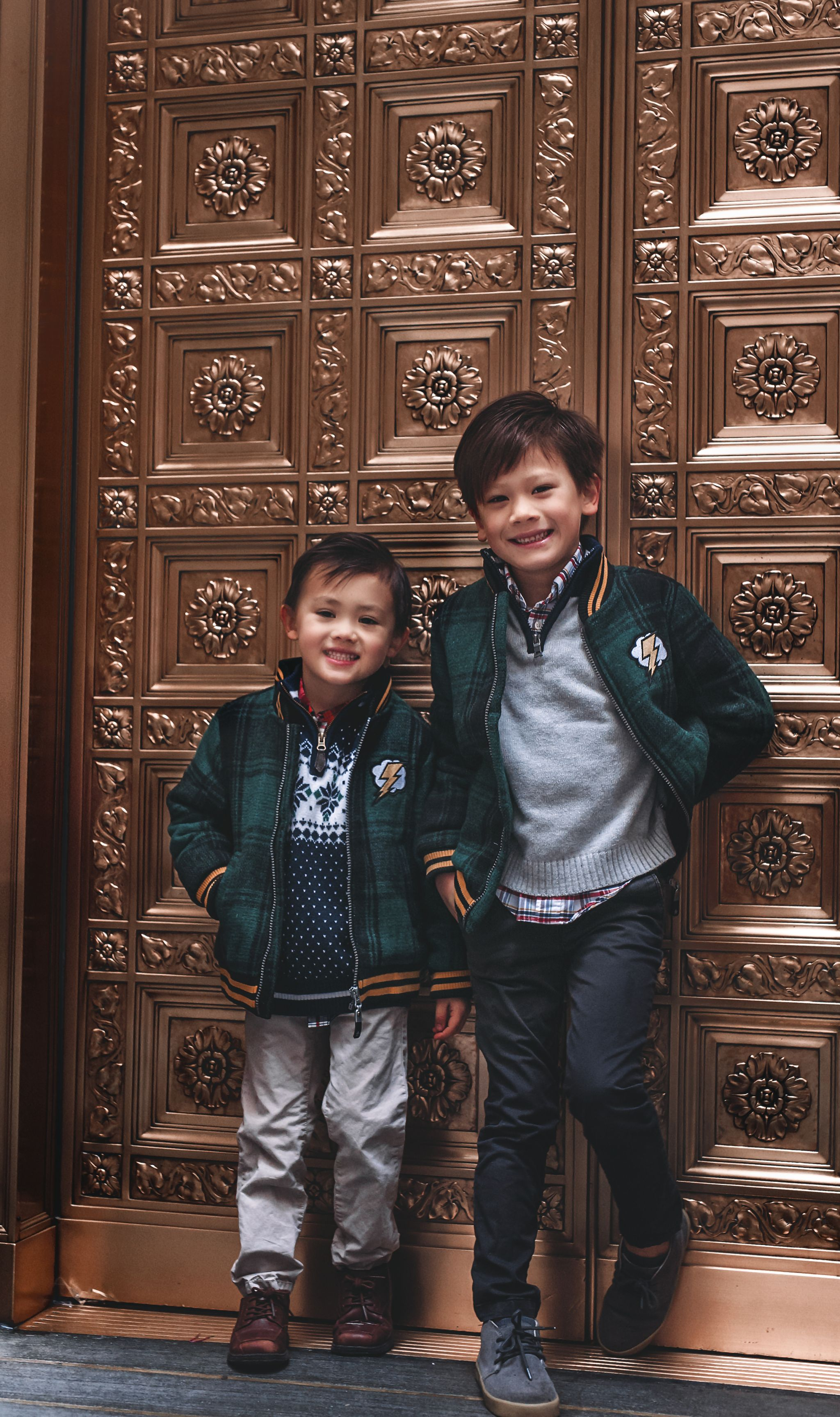 Best chicago photographer, Best Family photographer, kids photography, kids chicago photograhy, lola and the boys jackets, jennifer worman