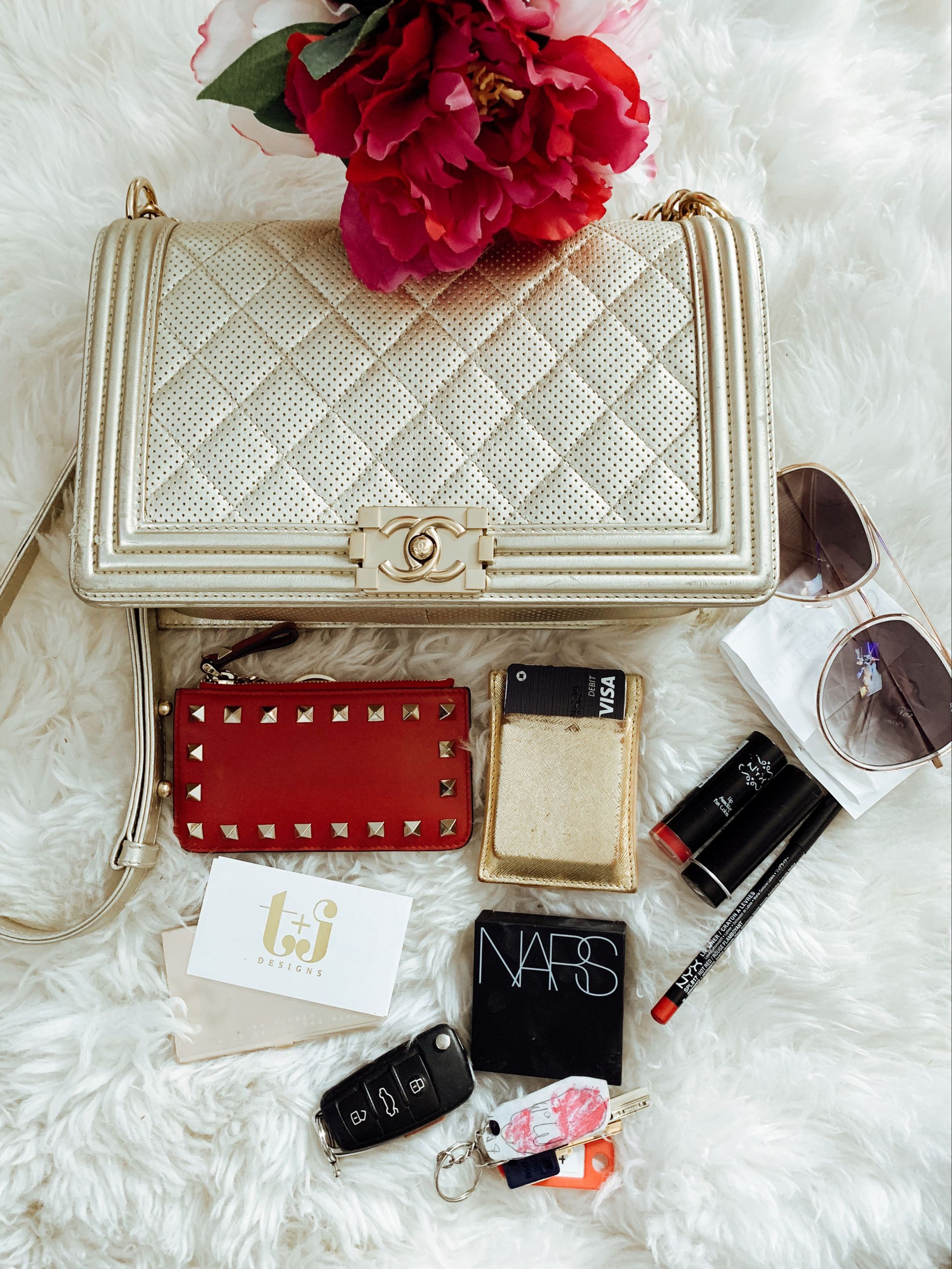 What's in my bag, Chanel Gold Boy Bag, Items in my purse, Jennifer Worman, Chicago Lifestyle Blogger, Valentino Change Purse