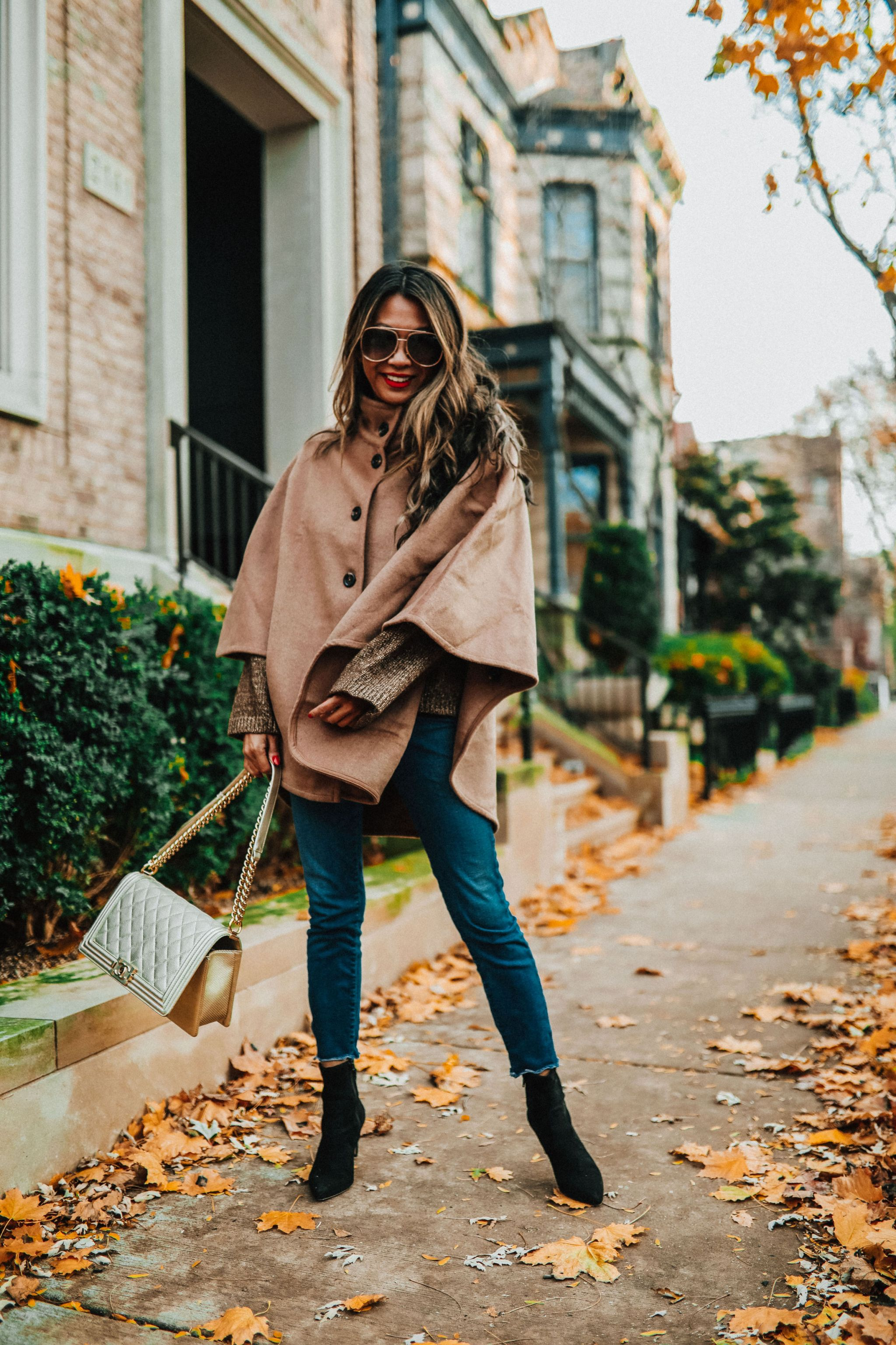 Best poncho, Ann Taylor Poncho, How to style a cape, Ann Taylor cape, perfect cape, Chicago fashion blogger