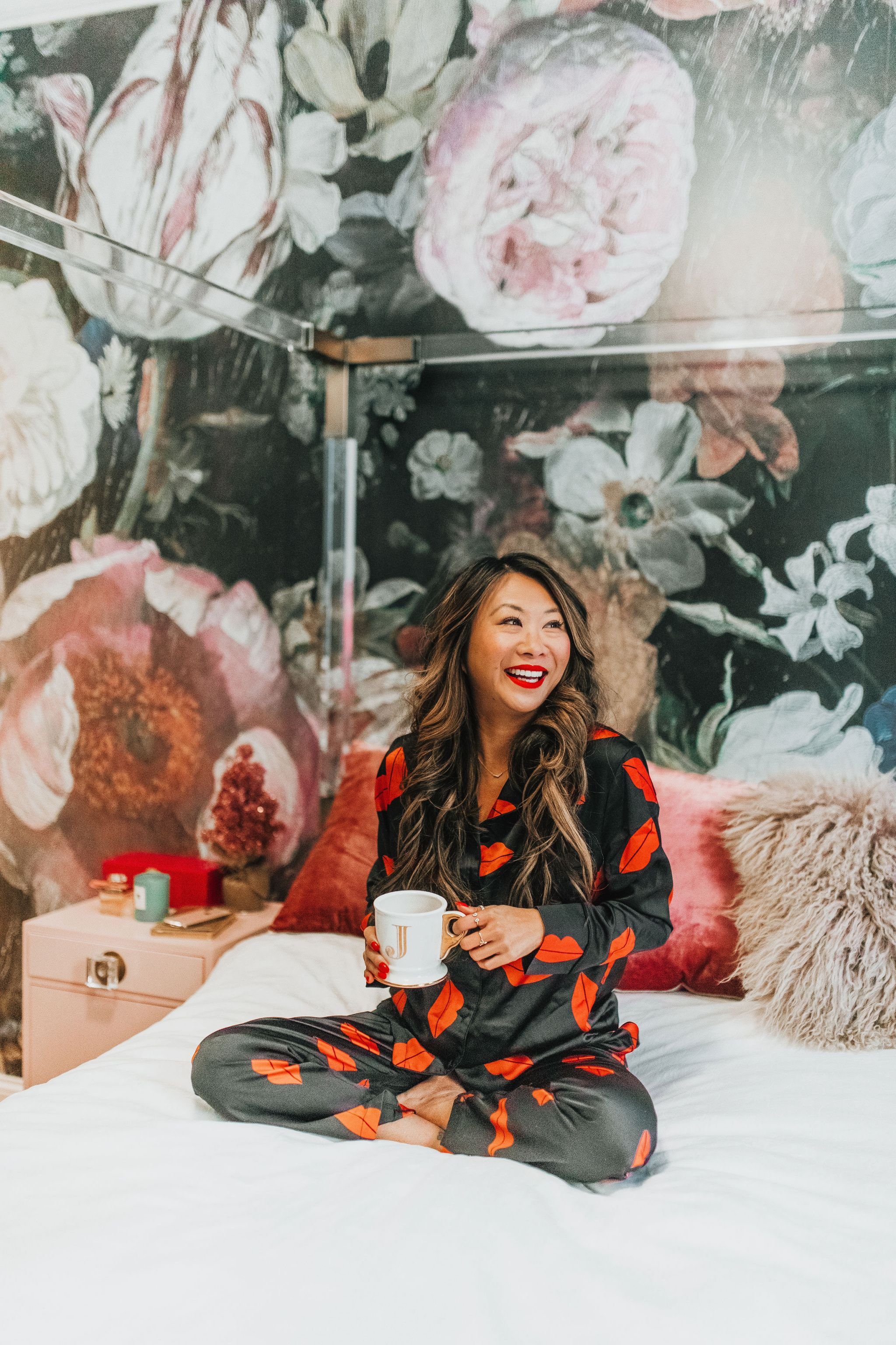 Jennifer Worman, Chicago Lifestyle Blogger, Home Tour, Bedroom Decor, Best Pajamas, Lucite Bed, Lips Pajamas, Best Pajamas for a steal
