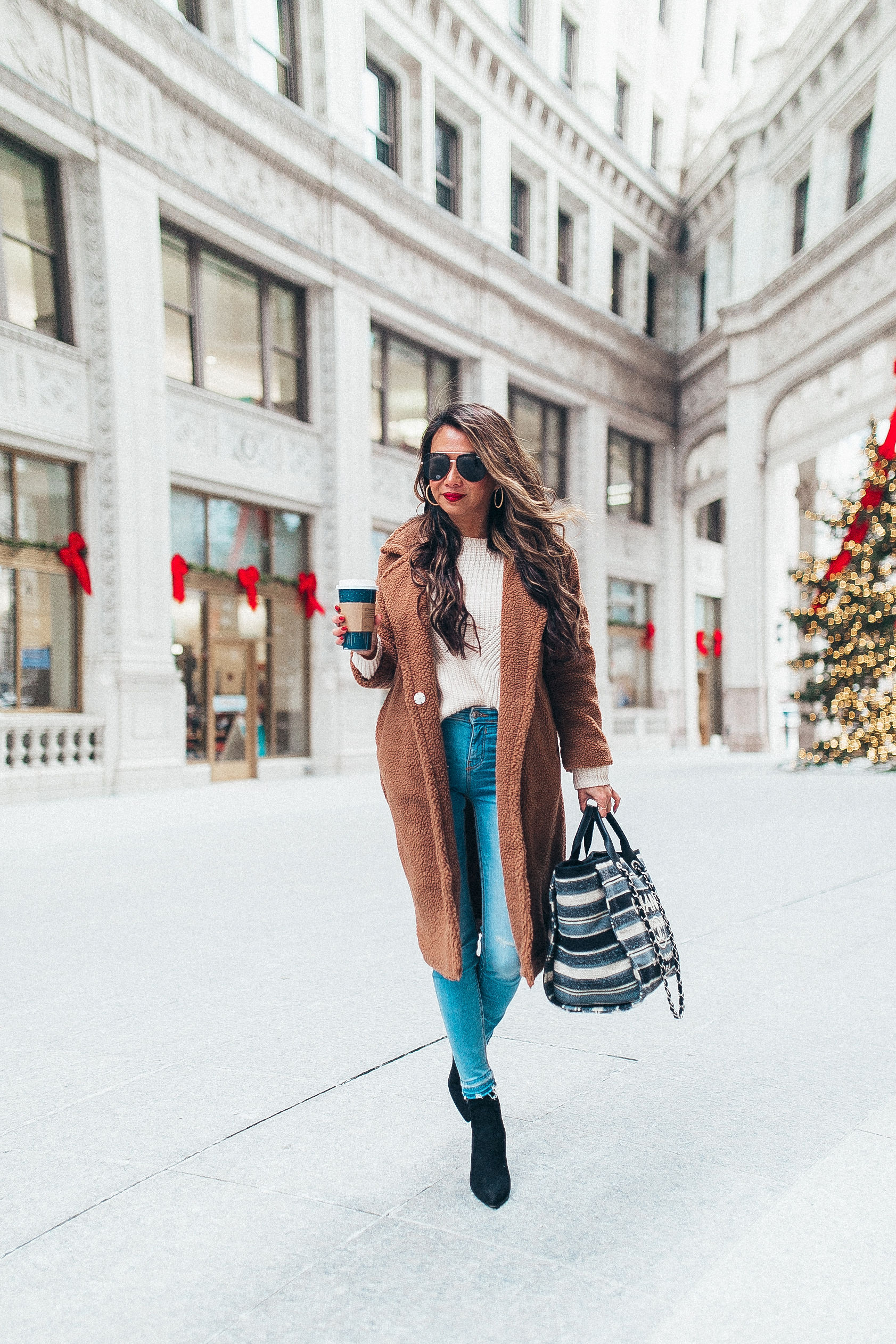 chicago holiday style, chicago blogger, Jennifer Worman, chicago christmas, 25 things about me, Best teddy coat, the only coat you need for winter, women's teddy coat, JOA teddy coat, coziest coat, jennifer worman, chicago winter style,
