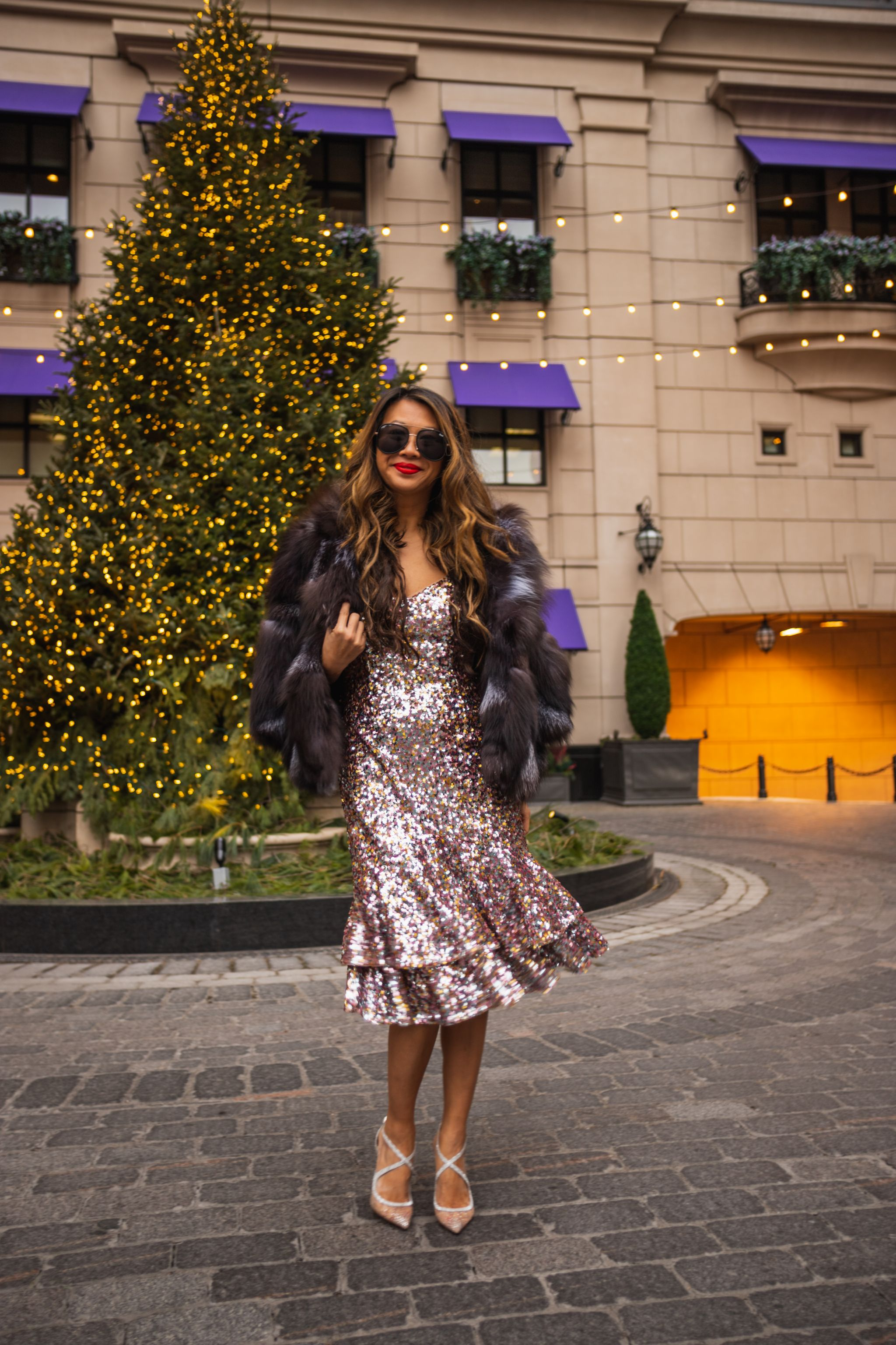 Ruffle Hem sequin midi dress, Adrianna Papell sequin dress, new years eve dress, best sequin dress, waldorf astoria chicago, jennifer worman