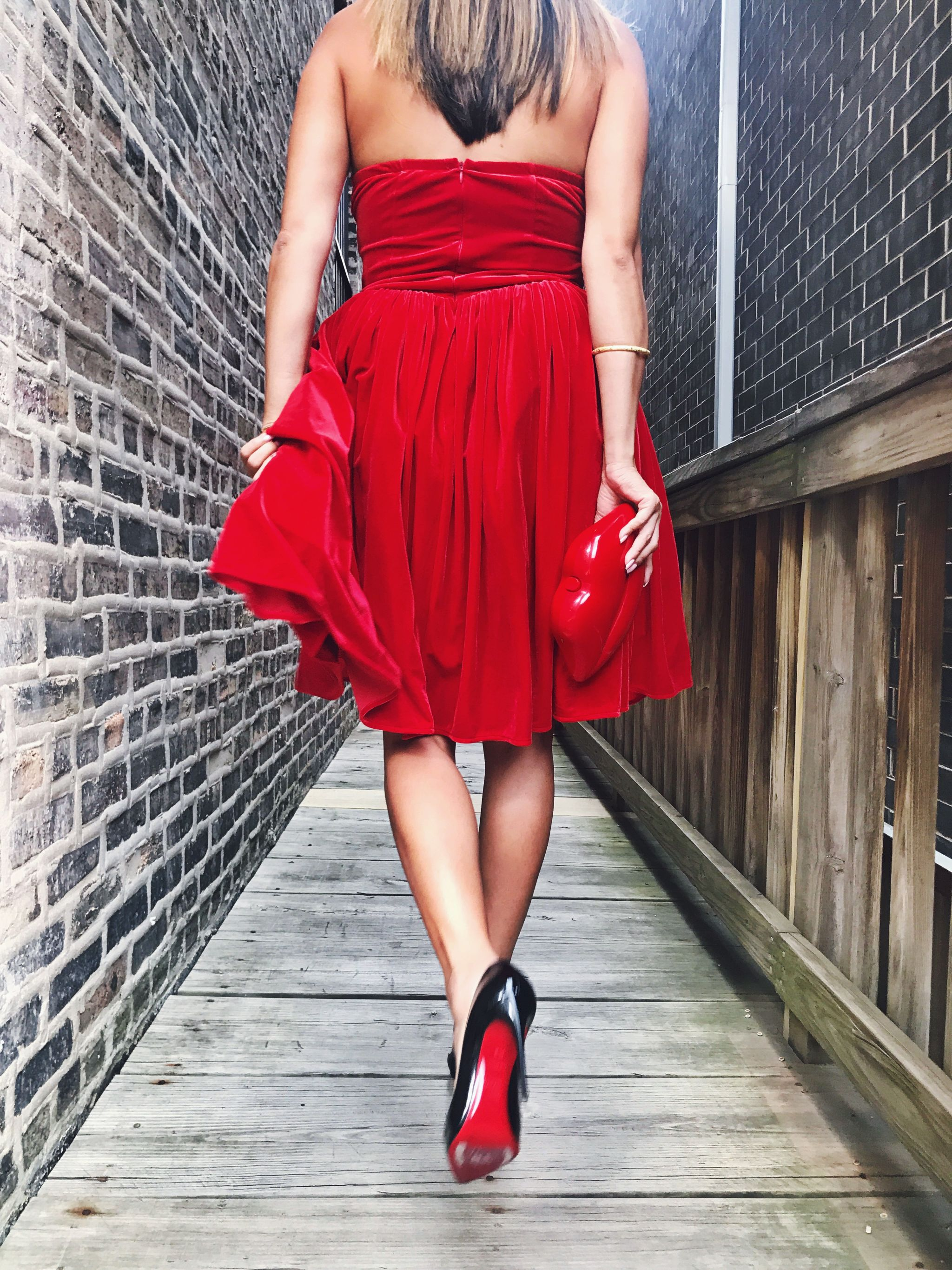 Red Hot Dresses for Valentine's Day - Red Soles and Red Wine에 대한 갤러리