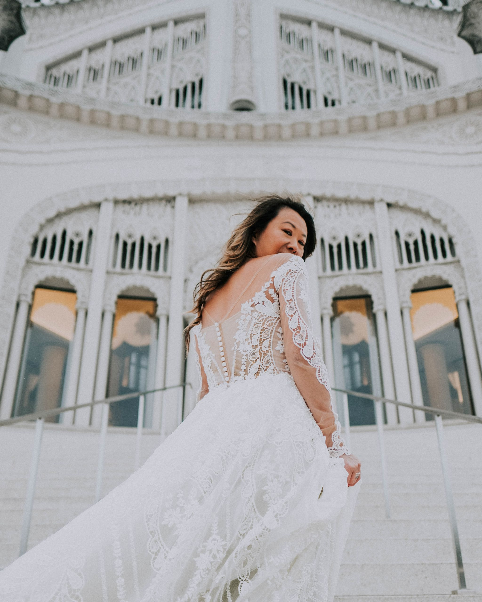 20 Things Every Woman Should Do Before Marriage, before marriage advice, single woman advice, a bucket list before marriage, Jennifer Worman, Red Soles and Red Wine, wedding dress, lace wedding dress