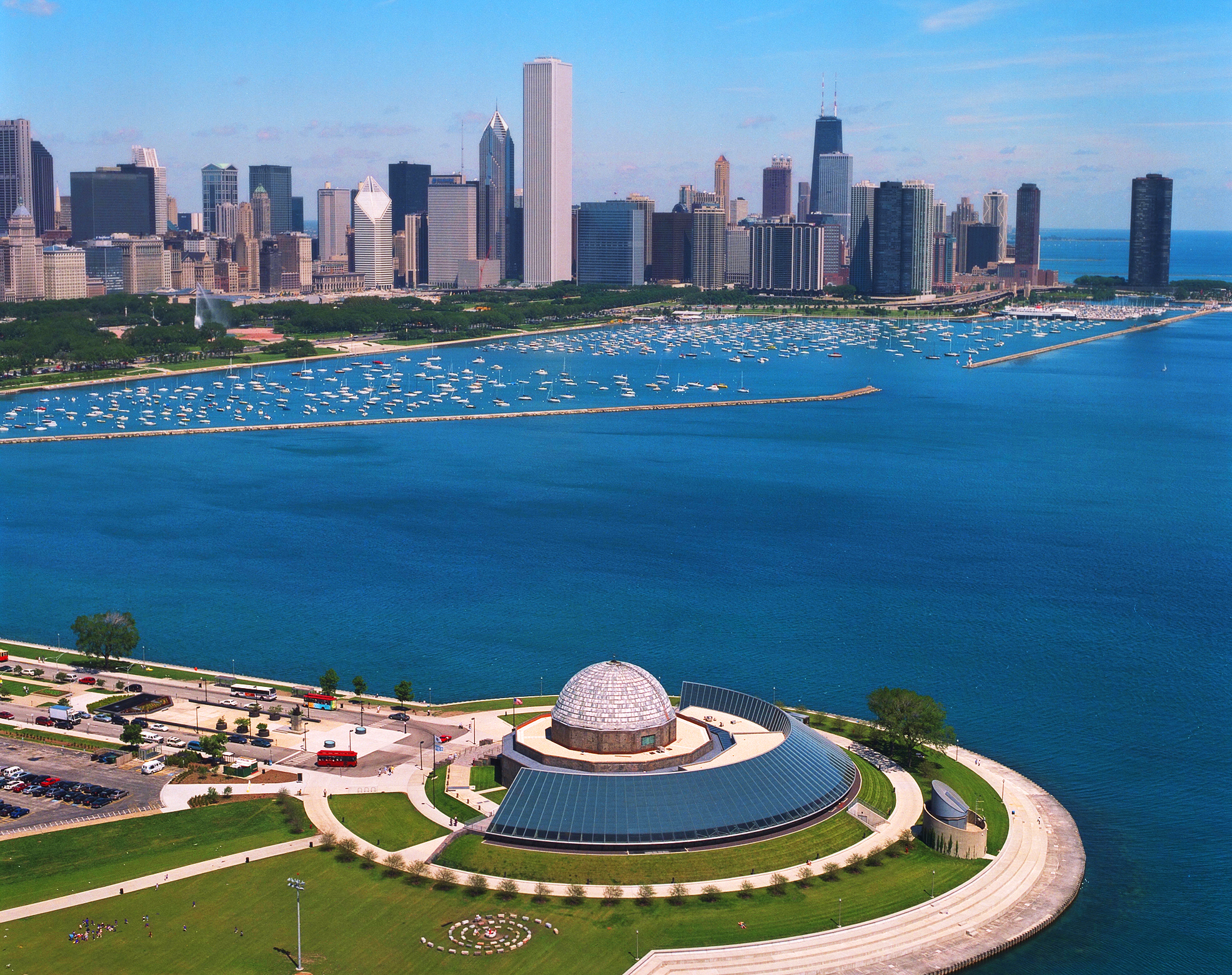 adler planetarium chicago, best places to take photos in chicago, chicago guide, chicago tour guide, where to take photographs in chicago, chicago blogger, travel blogger, best tourist spots in chicago