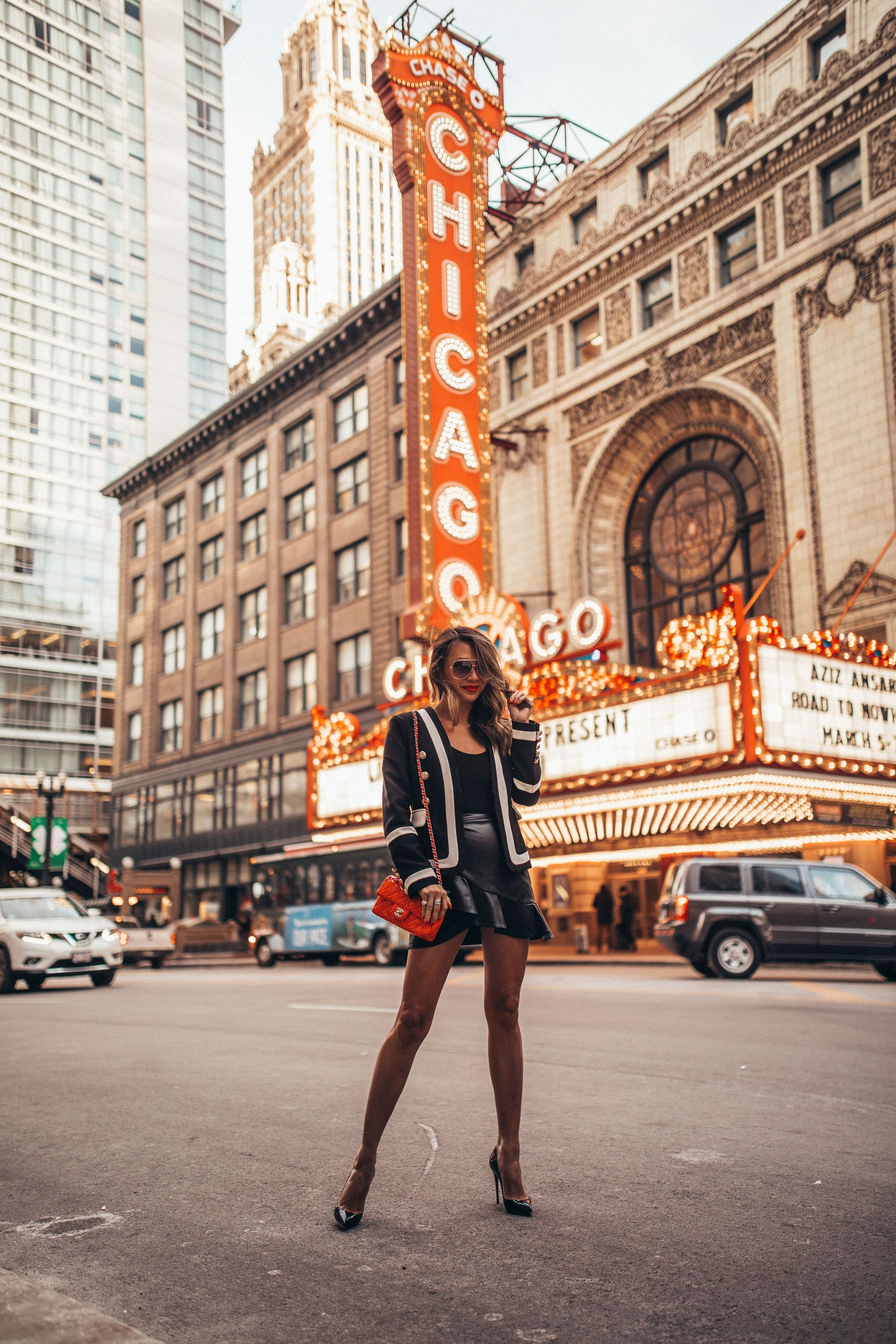 best places to take photos in chicago, chicago photography guide, best places for photography in chicago, chicago guide, chicago blogger, Jennifer Worman, chicago theatre