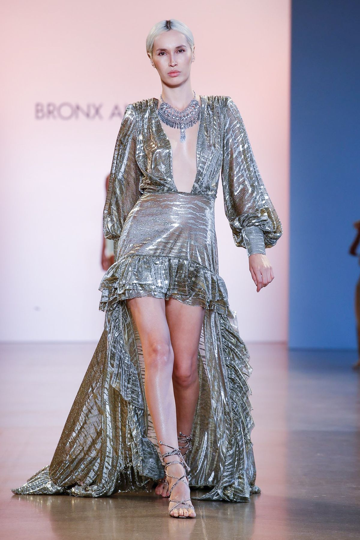BRONX-AND-BANCO-RTW-SS20-New-York-5685.jpg BRONX AND BANCO Ready To Wear Spring Summer 2020,NYFW, NYFW 2019, New York fashion week 2019, New York fashion week as a blogger, truths about NYFW, fashion week, street style, New York style, outfit ideas, blogger, travel blogger, advice from a blogger, blogging advice, blogging tips, influencer tips, influencer advice, tips from an influencer on New York fashion week, fashion blogger, Jennifer woman, Red Soles and Red Wine