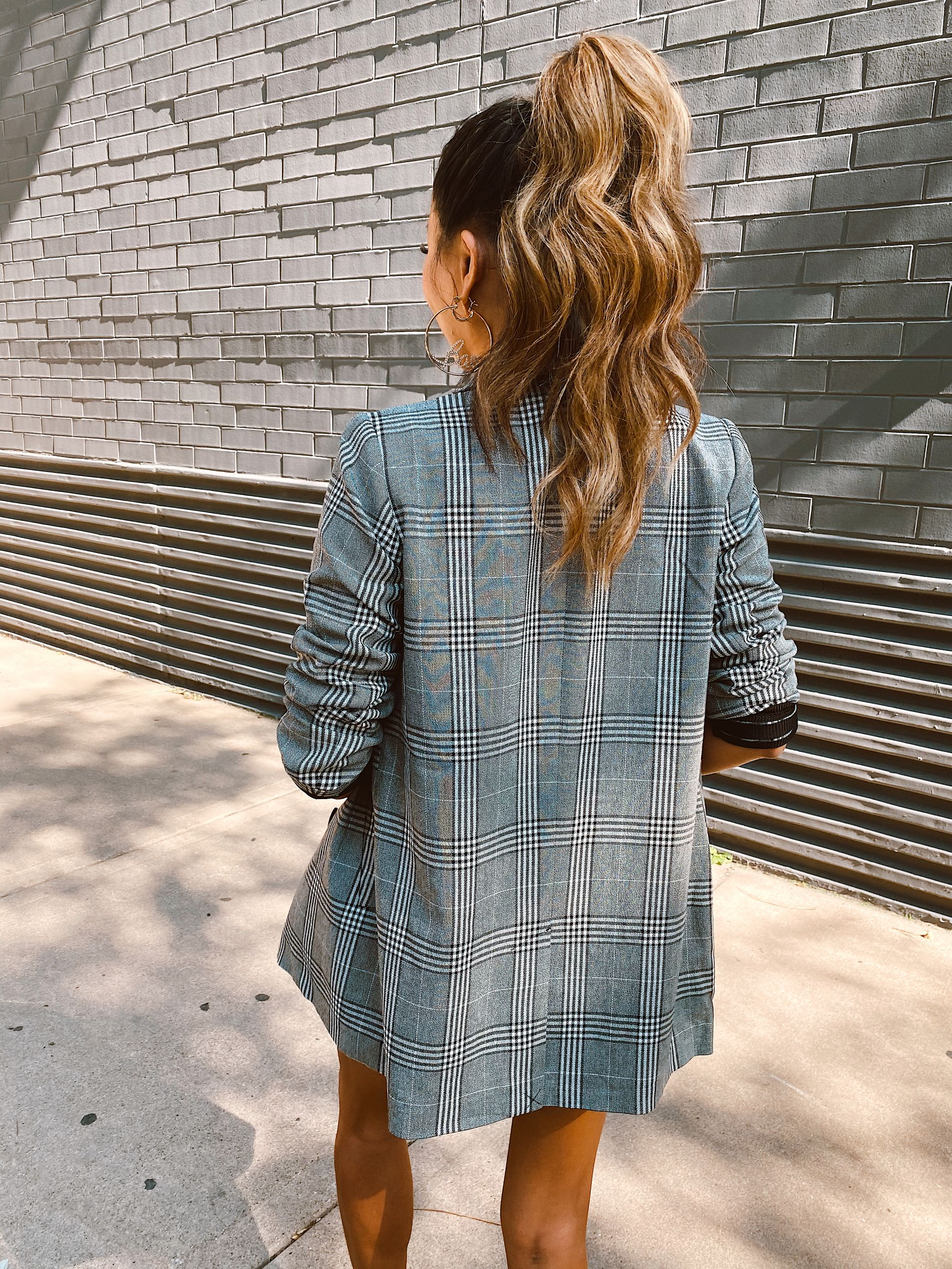 Going out Hair, easy hair styles, best ponytail style, best asian hair, best chicago hair, best hair styles for night, best wave, jennifer worman, chicago beauty blogger, bobby pin inspiration hairstyles, glam ponytail, hair extension ponytail