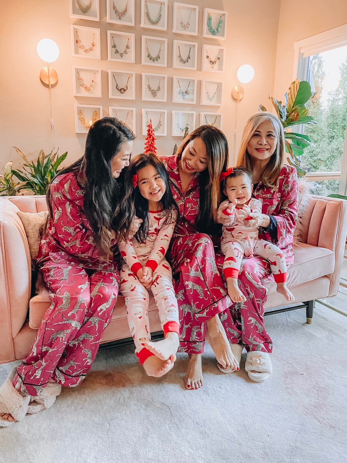 12 pajama sets under $100, 12 cute pajama sets to gift or keep, cute pj sets for the holidays, cute pj sets to give as gifts, pajama gift guide, pjs gift guide, gifts for mom, gifts for her, gift guide for her, holiday gift ideas, gift ideas under $100, best gifts under $100