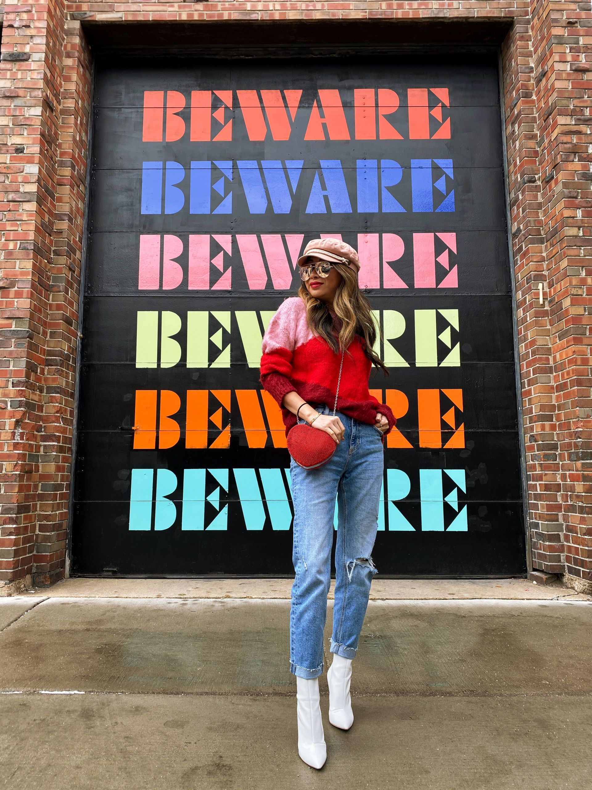 Top 10 Best Instagrammable Walls in Chicago, wall art in chicago, street art in chicago, best wall murals in chicago, photography in chicago, instagram chicago, best places to take photos in chicago, photoshoots in chicago, wall murals in chicago, wall guide, best wall art in chicago, 2020 murals in chicago, chicago guide, chicago blogger, chicago travel, chicago photography, chicago wall art, chicago murals, chicago art, beware mural, beware chicago mural