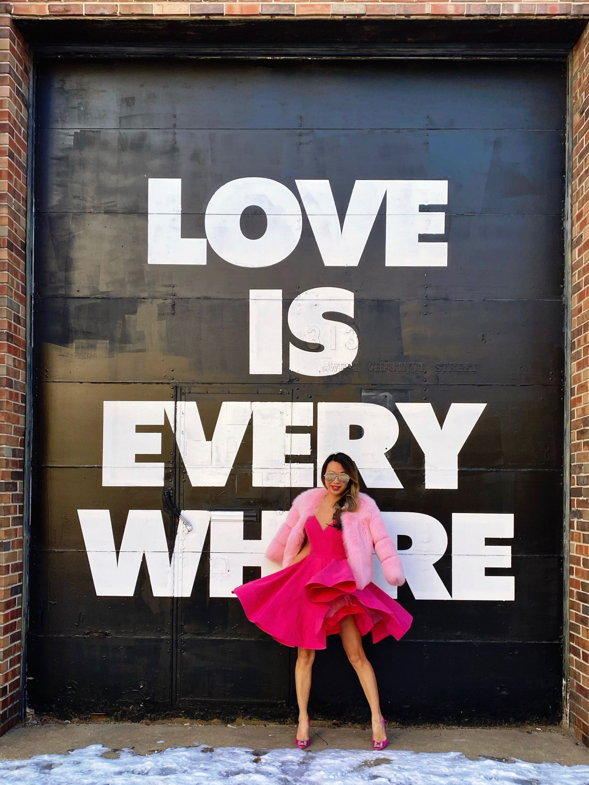 Top 10 Best Instagrammable Walls in Chicago, wall art in chicago, street art in chicago, best wall murals in chicago, photography in chicago, instagram chicago, best places to take photos in chicago, photoshoots in chicago, wall murals in chicago, wall guide, best wall art in chicago, 2020 murals in chicago, chicago guide, chicago blogger, chicago travel, chicago photography, chicago wall art, chicago murals, chicago art, love mural, love is every where chicago mural, heart mural