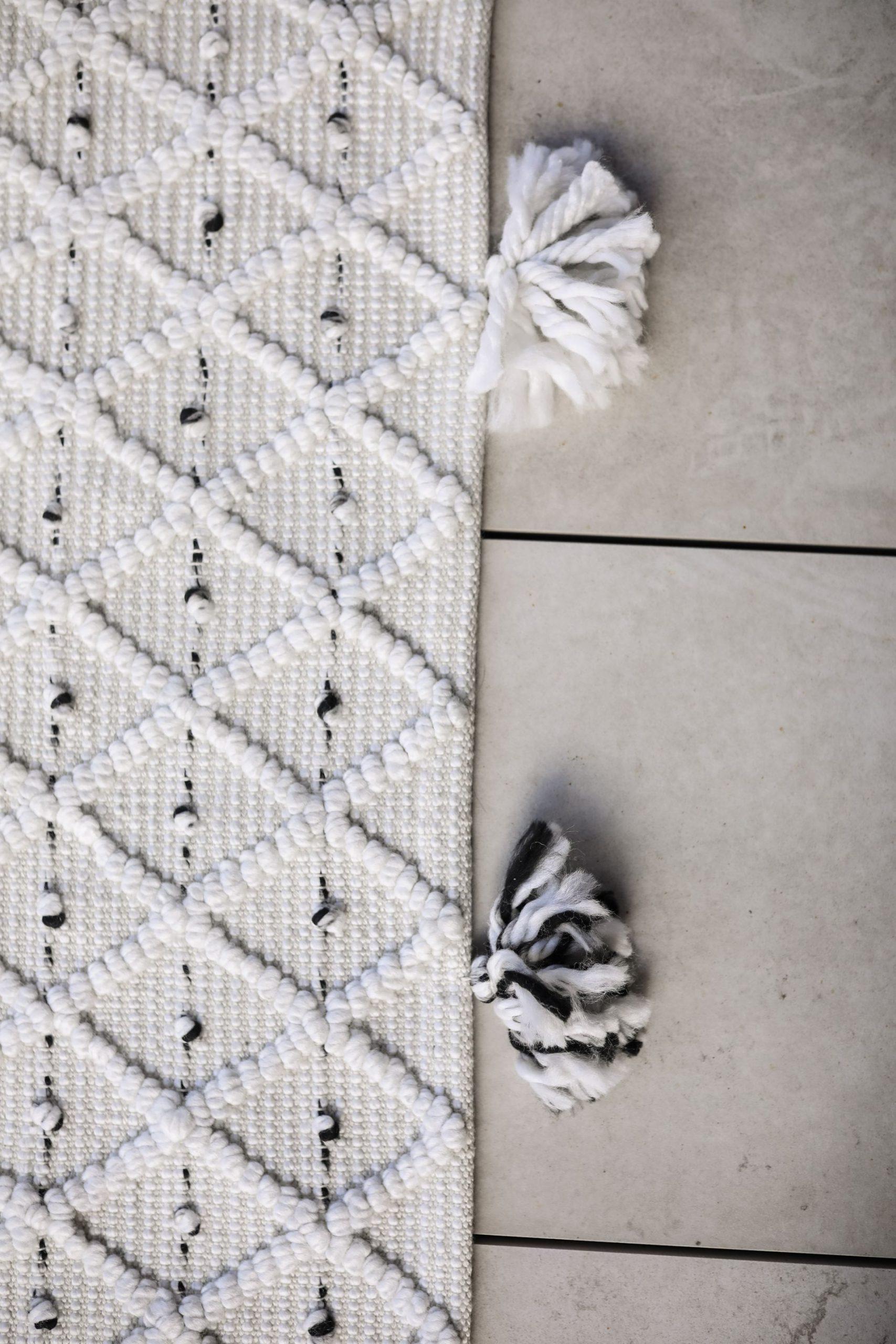 Jonesville Geometric Handmade Flatweave Gray/Black Indoor/Outdoor Area Rug