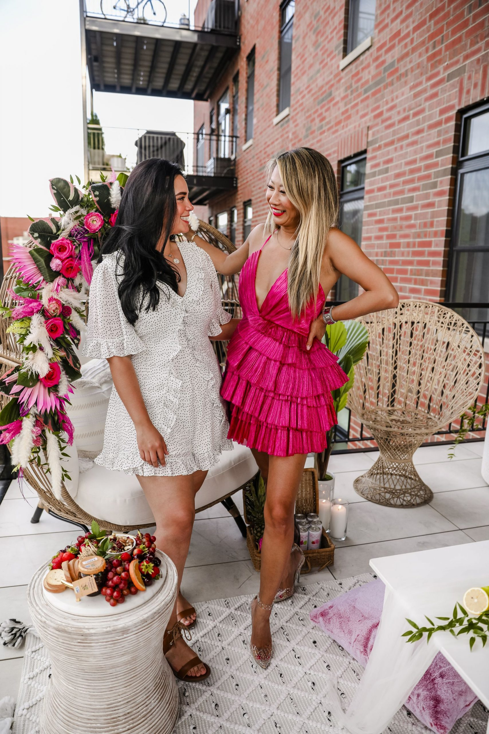 best chicago photographer, Hannah Schweiss, Chicago Event photographer, egg chair decor, summer friends party, party inspiration, glam patio inspiration, jennifer worman, chicago home