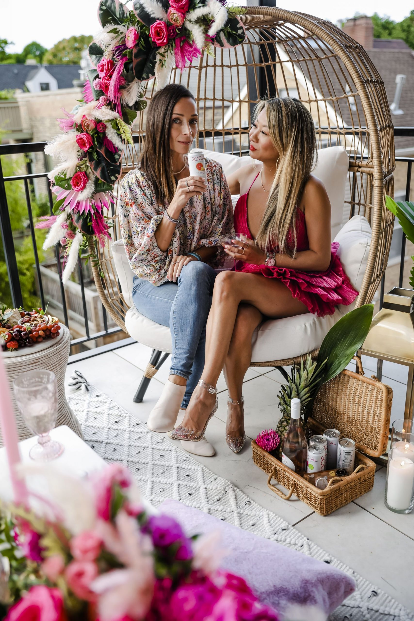 michelle elfvin, chicago mom bloggers, patio party inspiration, glam patio inspiration, target egg chair party, egg chair floral design, chicago fashion bloggers, jennifer worman