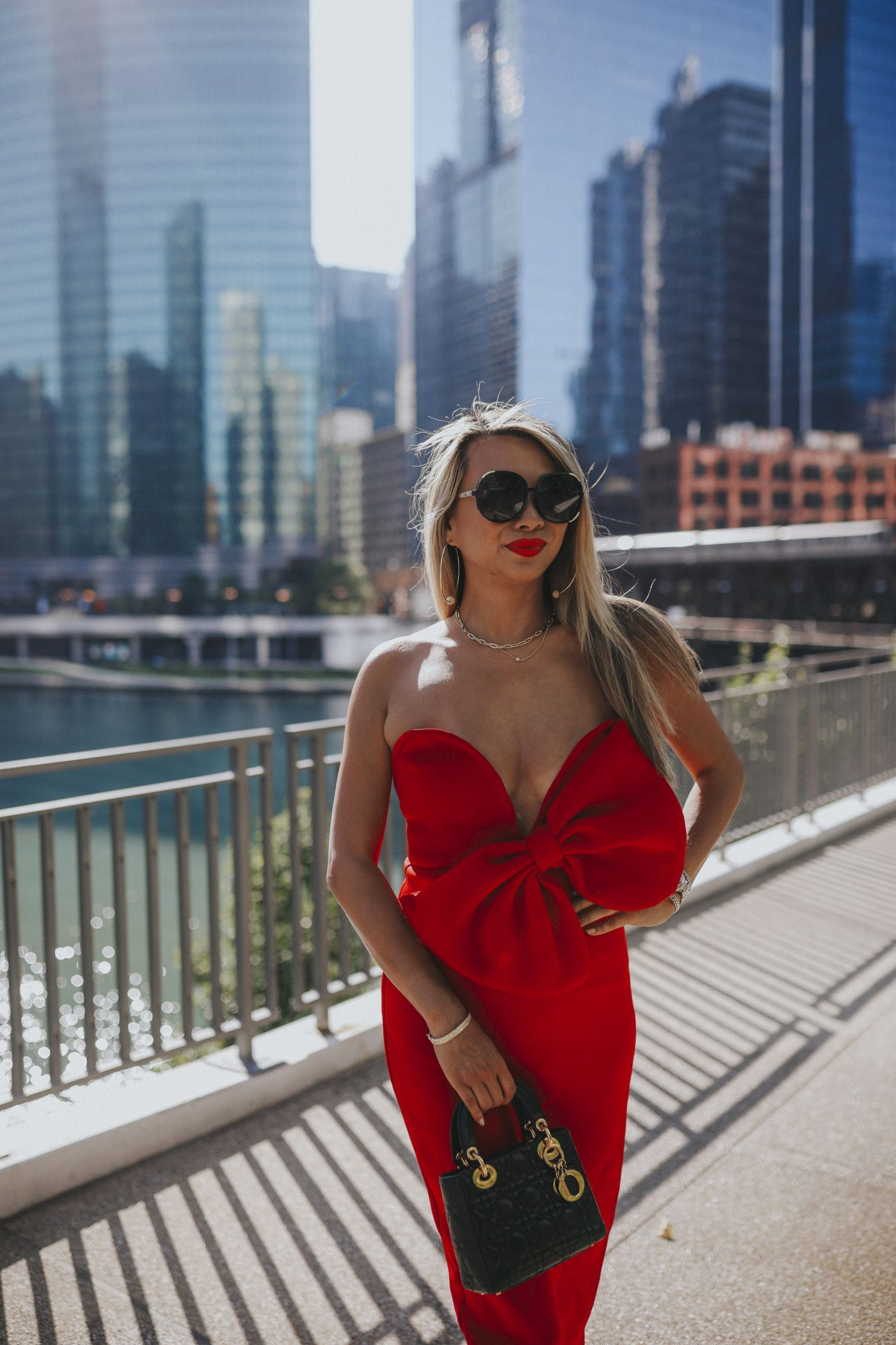 Gibsons Italia, Best Location for photos in Chicago, Jennifer Worman, Red Dress Missguided, Best Chicago Blogger, Chicago Instagram Spots