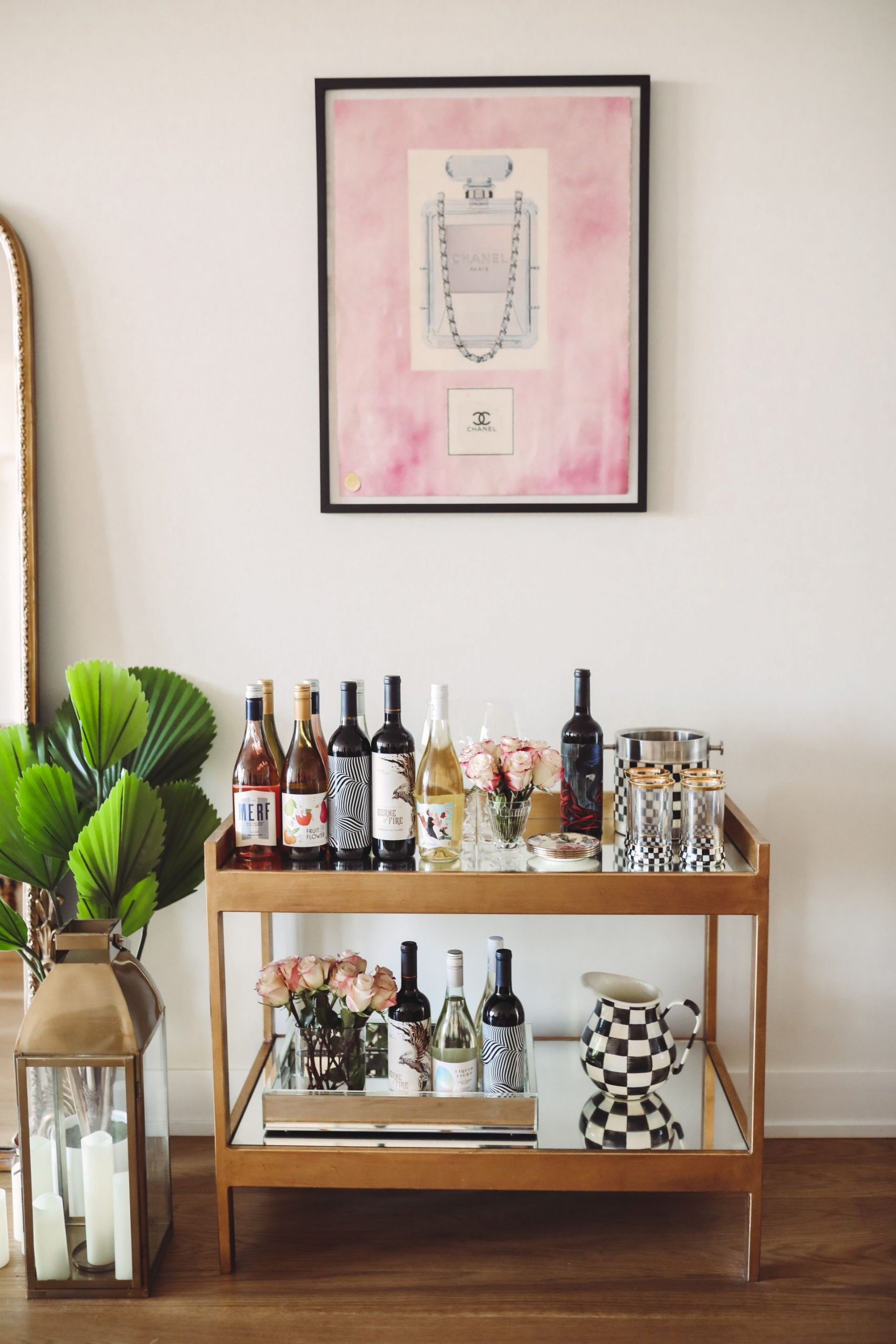 bar cart styling, gold bar cart, wine bar cart, chicago home, best ways to style a bar cart, best wine club, wine subscriptions, elicit wines, chicago wines, red soles and red wine, jennifer worman home