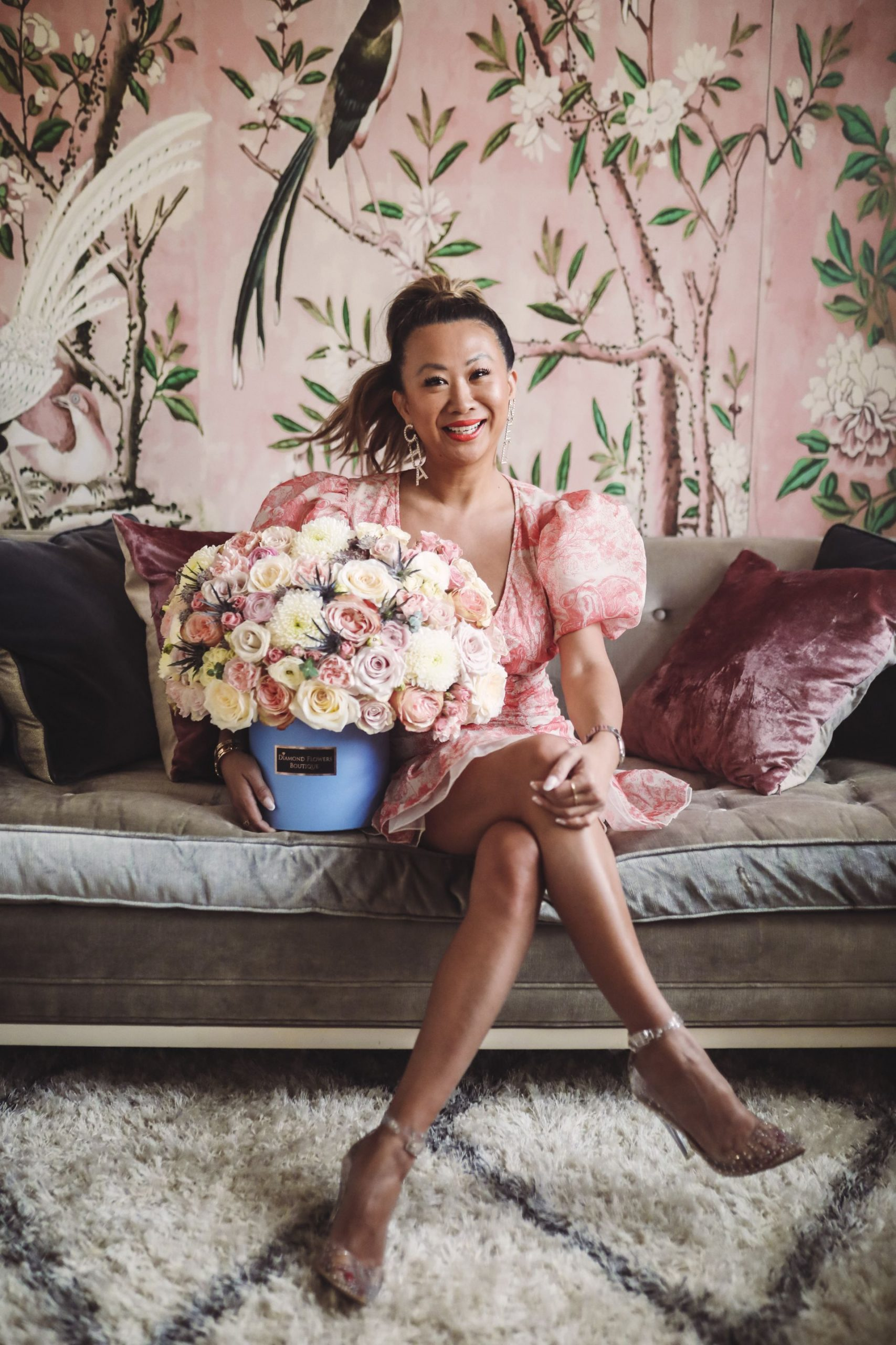 best chicago florist, chicago florals, best wallpaper for office, birthday flowers, jonathan adler couch, best home office, glam office decor, jennifer worman