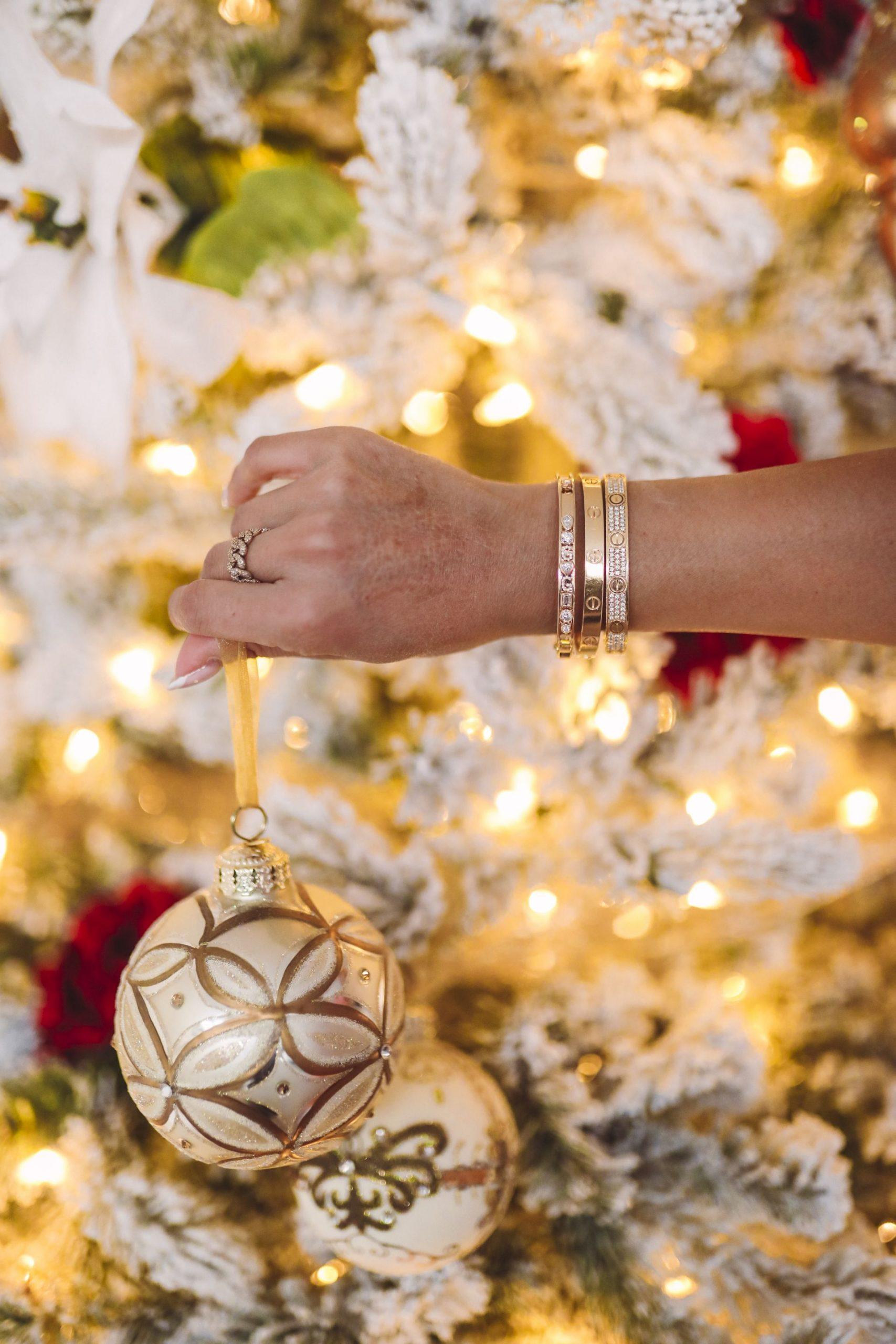 Stephanie Gottlieb, slider bracelet, gift ideas for her, gift guide for her, charm bracelet, charm bracelet gift ideas, personalized bracelet gifts, meaningful bracelet gift idea, personalized jewelry gifts, best personalized jewelry, simple charm bracelet gift idea, best instagram jewelry, cartier bracelet stack, slider bracelet stack, personalized jewelry