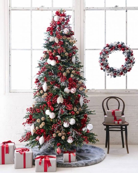 red christmas tree decor, glam smocked tree decor ideas, christmas tree decorating ideas, christmas tree inspiration, faux christmas tree decor inspiration, holiday decor, Red Soles and Red Wine, Jennifer Worman