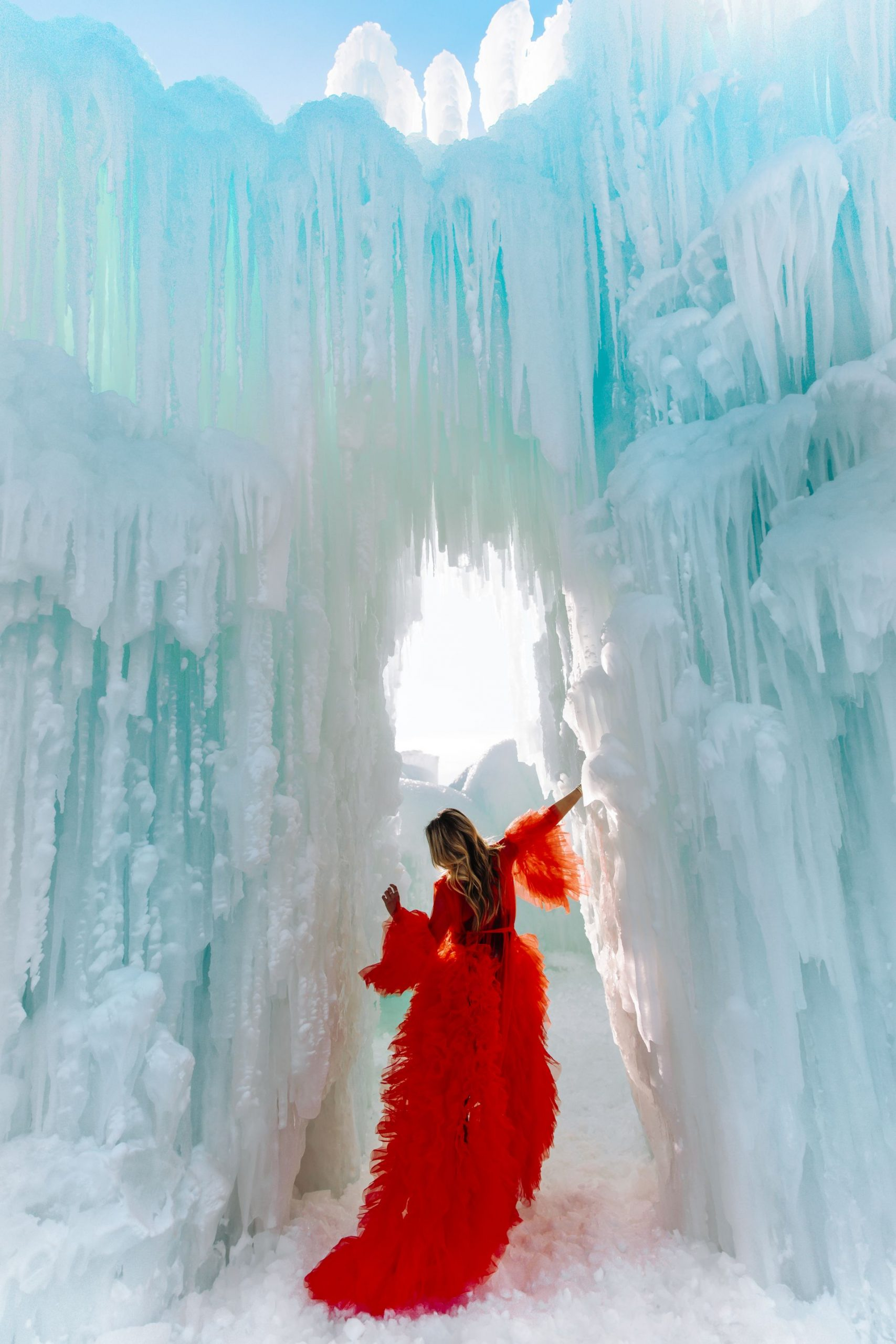 Ice Castles, Lake Geneva, Wisconsin Ice Castles, Jennifer Worman, Red Tulle Robe, Ice Castles Photo Inspiration, What to do in Chicago Winter, Romantic Ideas for Dates, Romantic stories, Dating Advice