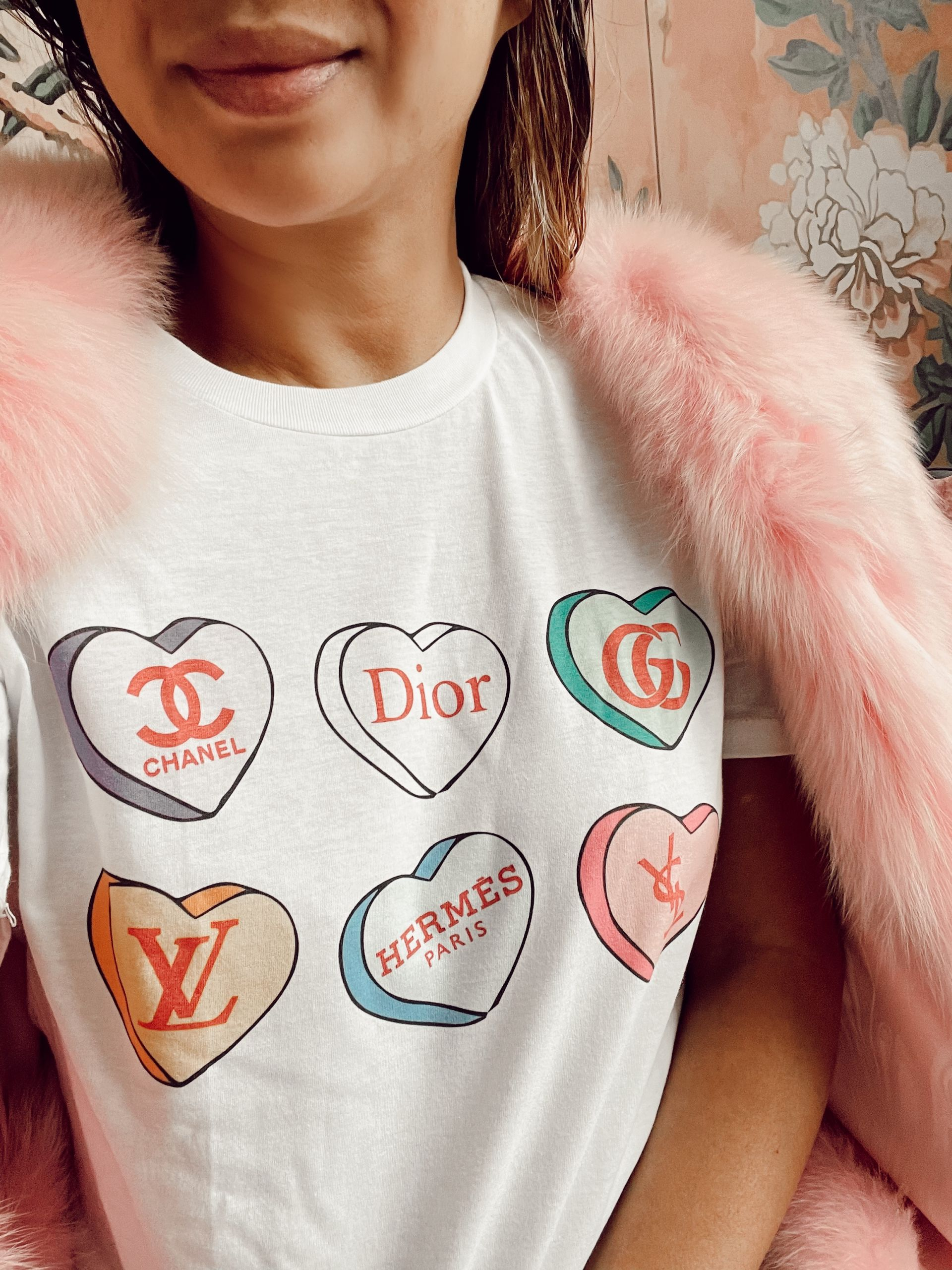 Veuve Rose Pullover, Valentine's Day Gift Guides, Vday gift guide, affordable vday gifts, gift ideas for girlfriends, valentine's day style ideas, Red Soles and Red Wine, Jennifer Worman, dyptique candles, heart pajamas