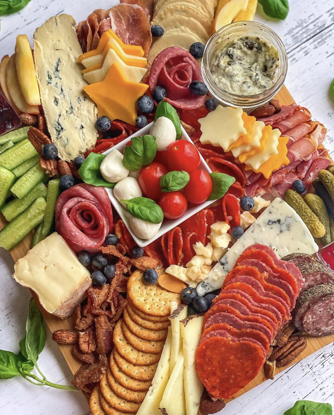 Top 10 Places to Order in Food Delivery in Chicago, Chicago food 2021, chicago food delivery2021, best placesto order delivery in Chicago, Top Chicago Eats, chicago foodie, chicago restaurants, chicago restaurants delivery guide 2021, Red Soles and Red Wine, Jennifer Worman
