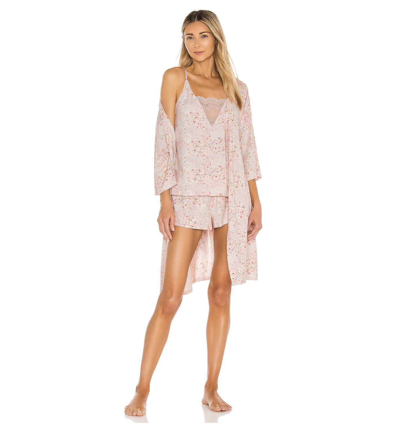 Flora Nikrooz Floral Travel Set from Revolve, pajama set gift ideas, Revolve pajama set, travel pjs set, pajamas and robe set, Mother's Day gift ideas, Mother's Day gift guide
