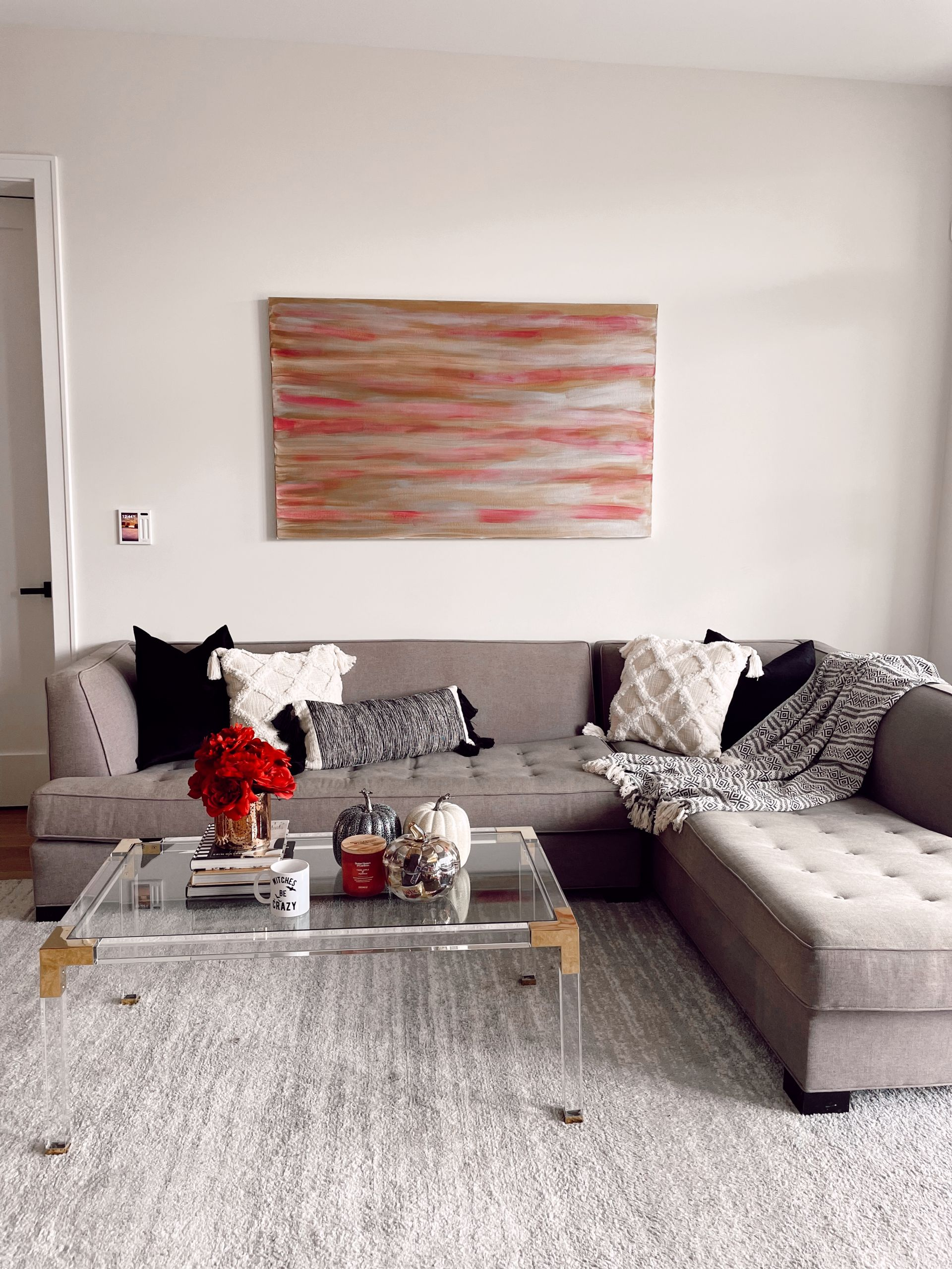 cozy fall living room, cozy neutral living room, fall home decor, subtle Subtle Touches of Fall to your Home, home decor inspiration, fall home inspiration, black and white fall decor, glam fall decor, neutralfall decor, pretty pumpkindecor, fall decor ideas, pretty fall decor, Red Soles and Red Wine, Jennifer Worman