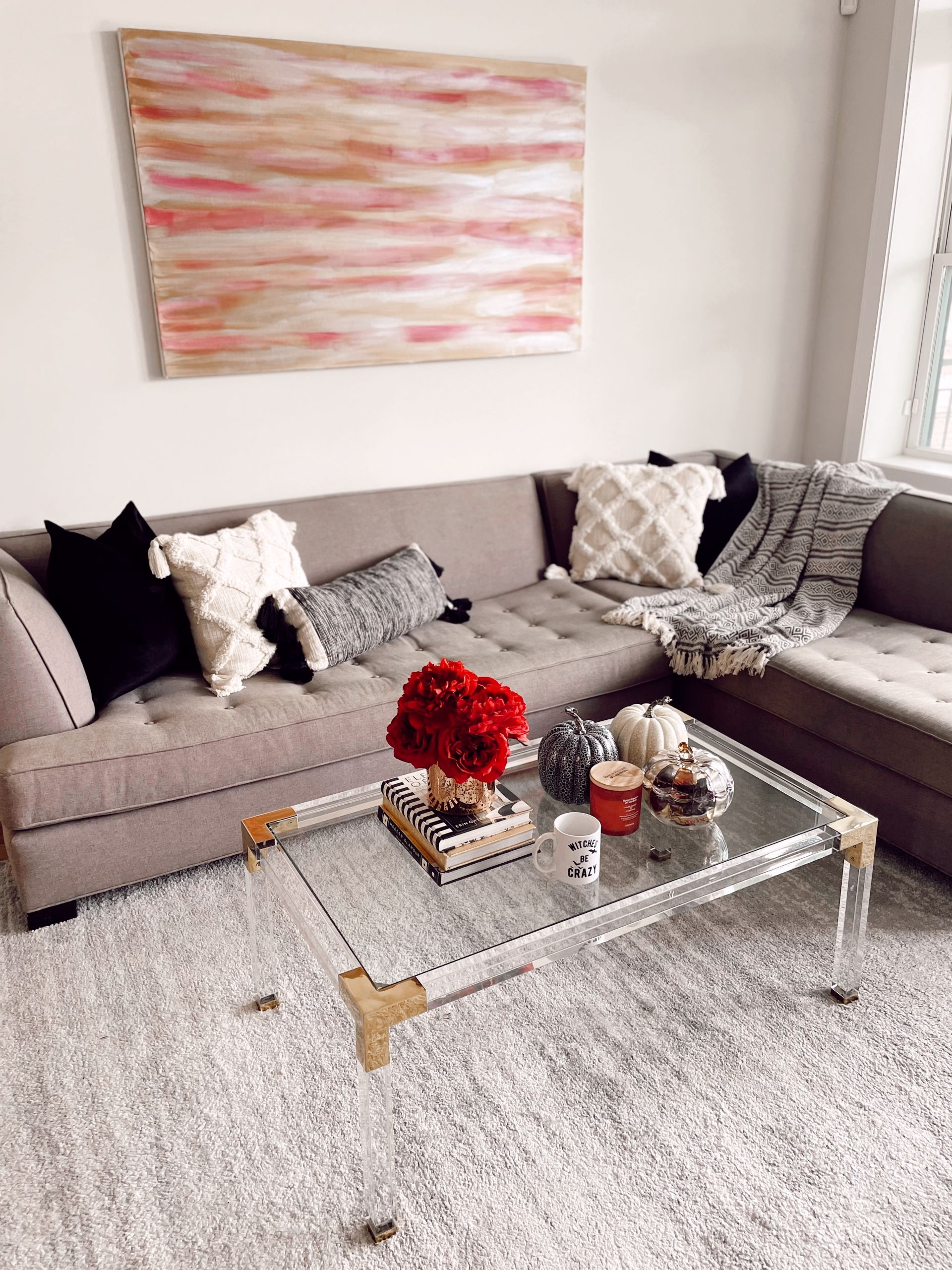 cozy fall living room, cozy fall decor, fall home decor, subtle Subtle Touches of Fall to your Home, home decor inspiration, fall home inspiration, black and white fall decor, glam fall decor, neutralfall decor, pretty pumpkindecor, fall decor ideas, pretty fall decor, Red Soles and Red Wine, Jennifer Worman